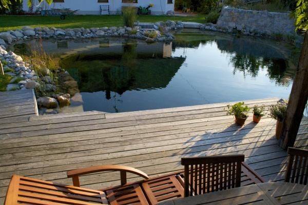 Ruheplatz am Schwimmteich