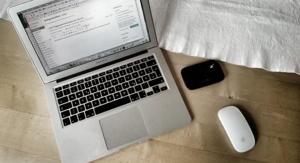 MacBook Air mit LTE-Speedbox Arbeitsplatz der Zukunft