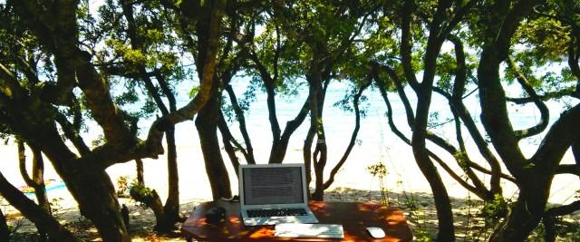Autoren Arbeitsplatz am Meer in Griechenland
