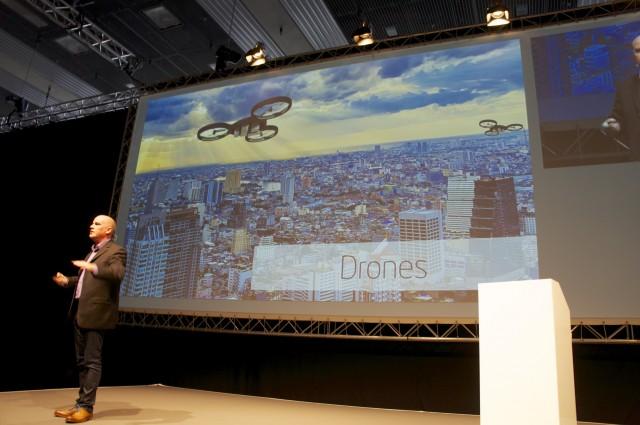 Age of drones - Zeitalter der Drohnen Foto: Schleeh