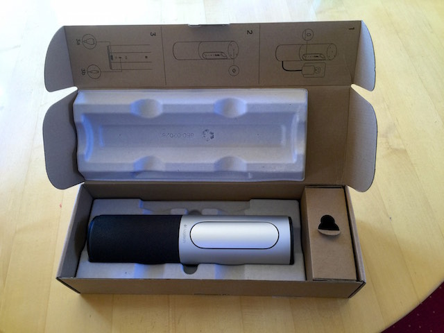 Logitech ConferenceCam Connect in der Verpackung