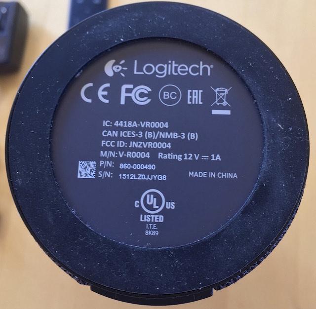 Unterseite der Logitech ConferenceCam Connect leider ohne Stativgewinde