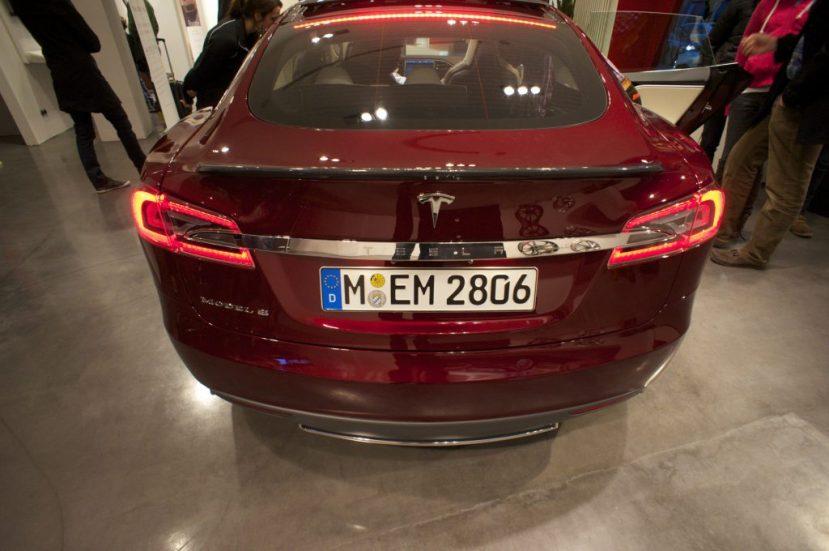Offene Schnittstellen ermöglichen #SmartHome Steuerung im#Tesla