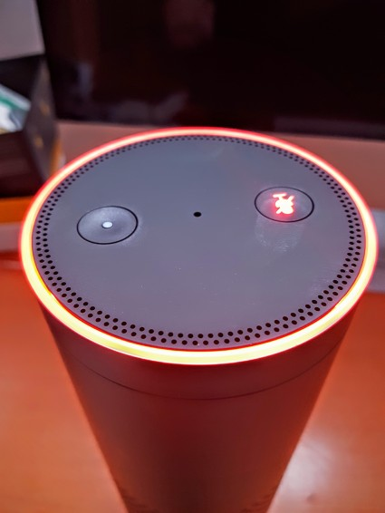 amazon-echo-mit-stumm-geschalteter-alexa