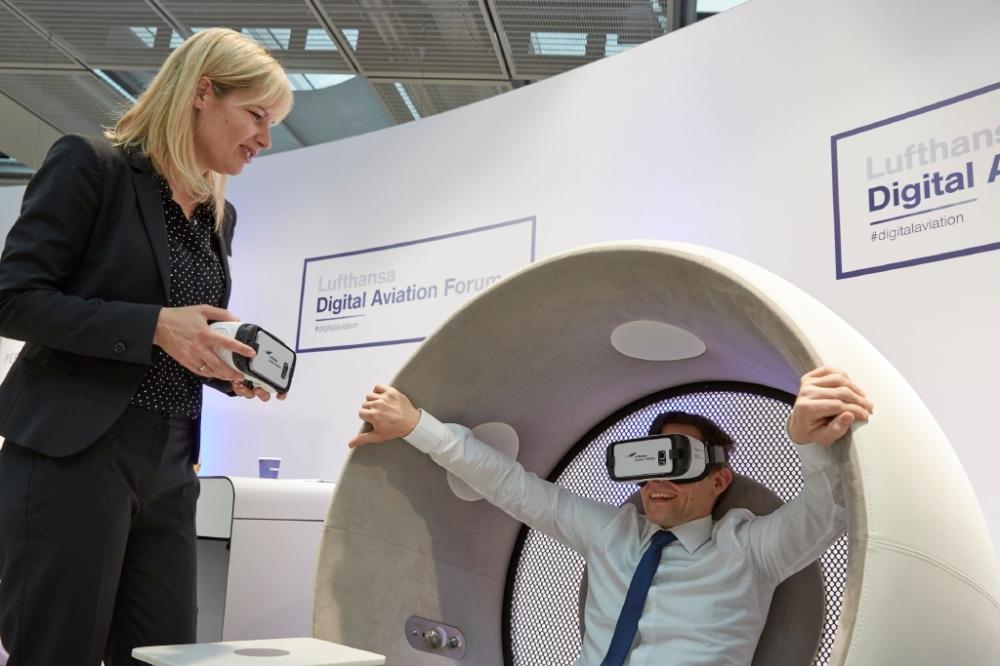 Virtual_Reality_fuer_angehende_Piloten_der_Lufthansa.jpg